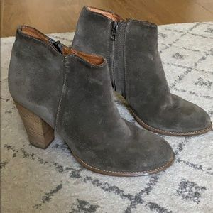 Madewell The Hadley Boot in Suede